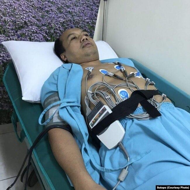 Sutopo Purwo Nugroho menjalani kemoterapi, bagian dari perawatan kanker paru-paru yang dideritanya.