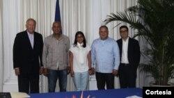 El documento fue suscrito el 8 de junio, días después de que el alto diplomático estadounidense Tom Shannon, izquierda, se reuniera con autoridades venezolanas en Caracas.