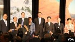 台湾立法院长王金平(左二),美国德州联邦众议员强森(左四)(美国之音杨明拍摄)