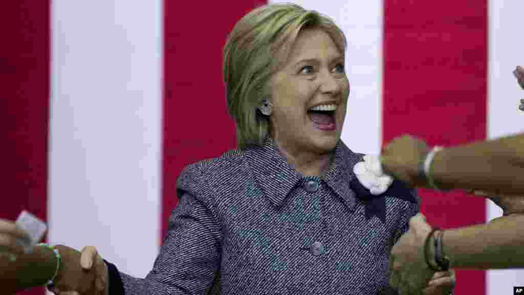 """""""Super seshanba""""da Demokratlar partiyasidan Xillari Klinton Floridada g'alaba qildi. Klinton Shimoliy Karolina, Oxayo va Illinoysni ham qo'lga kiritdi."""