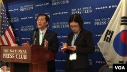 북한자유주간 행사 공동위원장인 김성민 자유북한방송 대표가 27일 기자회견에서 올해 행사에 대해 설명하고 있다.
