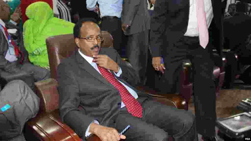 Tsohon Firai ministan Somaliya Mohamed Abdullahi Farmajo ya lashe zaben shugaban kasar. Fabrairu 10, 2017.. Fabrairu 10, 2017.