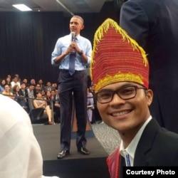 Robinson Sinurat saat mengikuti konferensi yang dihadiri Barack Obama di Malaysia (Dok: Robinson Sinurat)