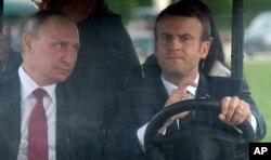 Makron və Putin