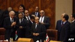 Учасники позачергового засідання Ліги арабських держав у Каїрі