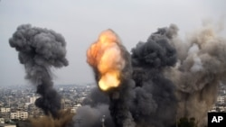 Attacks Rock Israel and the Gaza Strip