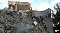 Un immeuble détruit au village de Raman Kheel, dans la vallée de Panjshir, and Afghanistan, le 26 octobre 2015. Source: AFP