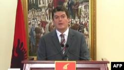 Presidenti Topi u bën thirrje partive të kthehen tek dialogu dhe zgjedhjet vendore