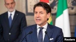 Прем'єр-міністр Джузеппе Конте ймовірно залишиться керувати новим урядом