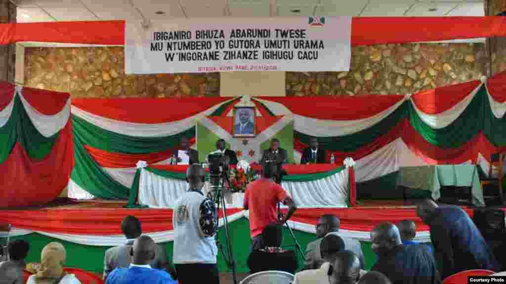 Zaman tattaunawa a Burundi.