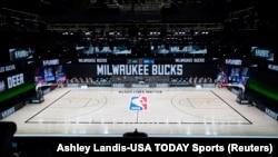 Prazan teren pošto je utakmica Milwaukee - Orlando odložena (Foto: Reuters/Ashley Landis-USA TODAY Sports)