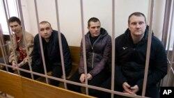 Zarobljeni ukrajinski mornari tokom suđenja u Moskvi, april 2019.