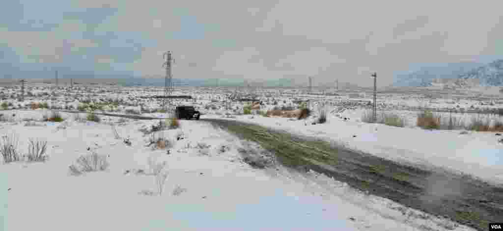 برف باری اور بارش کے باعث صوبائی ڈزاسٹر مینجمنٹ اتھارٹی نے شہریوں کو غیر ضروری سفر سے منع کیا ہے۔