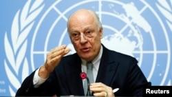 25일 유엔의 스테판 데 미스투라 시리아 특사가 스위스 제네바 유엔 본부에서 기자회견을 하고 있다.