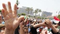فعالان مصری در تظاهرات موسوم به انقلاب دوم به ميدان تحرير رفته اند