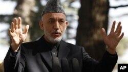 4일 아프가니스탄 수도 카불에서 기자회견을 가진 하미르 카르자이 대통령.