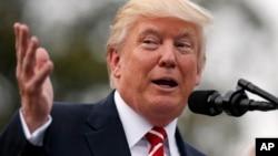 Por lo menos 25 estados de EE.UU. han dado muestras de resistencia a cumplir el pedido deinformación detallada sobre cada votante estadounidense de la Comisión Presidencial Asesora sobreIntegridad Electoral.