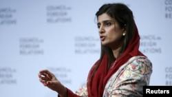 "Menlu Pakistan Hina Rabbani Khar berbicara di depan Dewan Hubungan Luat Negeri New York (16/1) dan mengimbau ""transisi yang bertanggung jawab"" terkait rencana penarikan mundur pasukan AS dari Afghanistan."