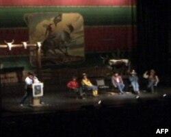 """埃尔科的""""全国牛仔诗歌大会""""每年能吸引到近万艺术家和游客"""