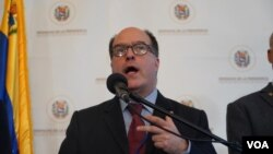 Julio Borges, Comisionado para las Relaciones Exteriores de Venezuela nombrado por la oposición venezolana, durante conferencia de prensa, el 27 de septiembre de 2019.