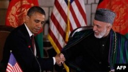 Tổng thống Hoa Kỳ Barack Obama và Tổng thống Afghanistan Hamid Karzai.