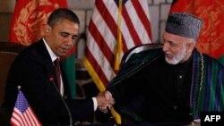 Prezidentlar Barak Obama va Hamid Karzay (Afg'oniston), arxiv surat