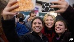 Гілларі Клінтон з виборцями