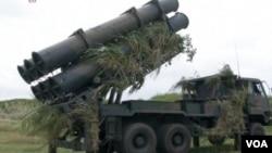 11月11日,日本反艦導彈演習展示了巡航導彈發射器。(視頻截圖)