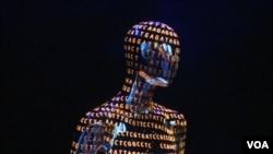 在華盛頓史密森國家自然歷史博物館舉辦的人類基因和首個人體藍圖的產生得展覽會。(視頻截圖)
