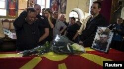 2015年5月10日被杀警察亲属哀悼
