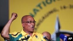 President Afrika Selatan, Jacob Zuma, dal am pembukaan konferensi Kongres Nasional Afrika (ANC) di sebuah universities di Bloemfontein, Afrika Selatan (16/12). Polisi Afsel menangkap empat orang yang diduga merencanakan serangan saat konferensi ini berlangsung.