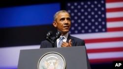 美國總統奧巴馬在愛沙尼亞首都塔林舉行的記者會上講話