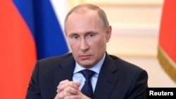 Vladimir Putin estableció un sistema para asegurar interconexiones productivas con elementos criminales.