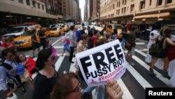 Акция в поддержку Pussy Riot. Нью-Йорк, США