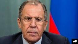 Rossiya Tashqi ishlar vaziri Sergey Lavrovning aytishicha, bu tahdidlar sulh ijrosiga halaqit beradi. Holbuki, tinchlik kelishuvi endi samara bera boshladi, deydi u.