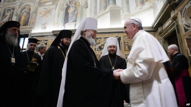 Pope Francis meets with various representatives of other religions, at the Vatican, March 20, 2013. (photo L' Osservatore Romano)