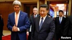 Ngoại trưởng Hoa Kỳ John Kerry và Chủ tịch Tập Cận Bình tại cuộc Đối thoại Sách lược và Kinh tế năm 2014.