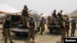 Pasukan Pakistan melakukan patroli di kawasan kesukuan Khyber, Pakistan barat laut (foto: dok).