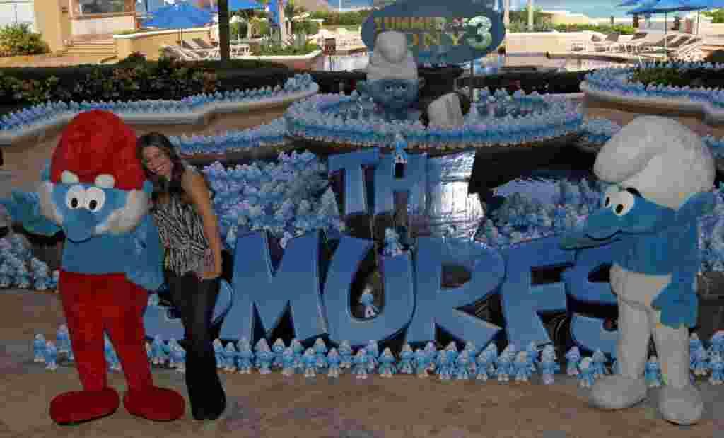 """La película de """"Los pitufos"""" se estrena en EE.UU. y en algunos países en América Latina a finales de agosto de 2011."""