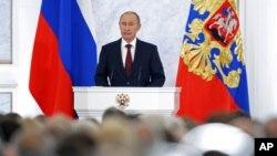 "Presiden Rusia Vladimir Putin memberikan pidato nasional yang menegaskan penolakan Rusia atas ""kuliah demokrasi"" dan campur tangan masalah dalam negeri Rusia oleh negara atau pihak asing (foto: dok)."