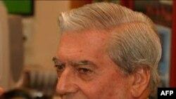 Nobel Edebiyat Ödülünü Perulu Yazar Llosa Aldı