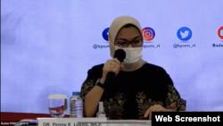 Kepala Badan Pengawas Obat dan Makanan (BPOM) RI, Penny Lukito saat melakukan konferensi pers terkait dengan vaksin Covid-19, Kamis 19 November 2020. (Foto:VOA)
