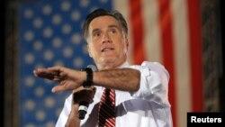 Ông Mitt Romney nói chuyện tại một cuộc vận động ở Fishersville, Virginia, 4/10/12