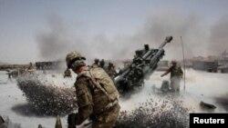 امریکا در تعهد به تعاملات تازۀ نظامی، بدون عطف در مورد آنچه با پرداخت قیمت بلند از گذشته آموخته، سریع عمل می کند.