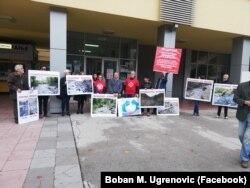 """Sa protesta građanske inicijative """"Sačuvajmo planinske reke Kraljeva"""", Foto: Facebook"""