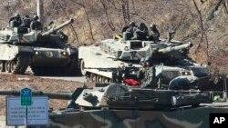 지난 4일 한국 파주에서 한국 육군 탱크 부대가 군사연습에 참가했다.