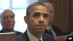美國總統奧巴馬(圖)在白宮內閣會議之前敦促國會盡速表決就業法案