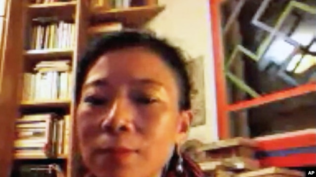 Tsering Woeser speaking to VOA Tibetan via Skype from Beijing, Mar 01, 2012.