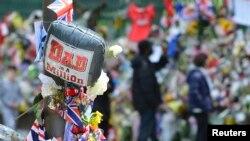 Commémoration sur les lieux du meurtre du soldat britannique Lee Rigby à Woolwich, au sud-est de Londres, le 31 mai 2013. (REUTERS / Toby Melville)