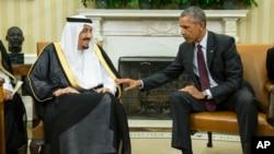 4일 백악관에서 바락 오바마 미국 대통령(오른쪽)과 살만 국왕이 회동했다.